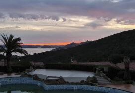 pool-tramonto